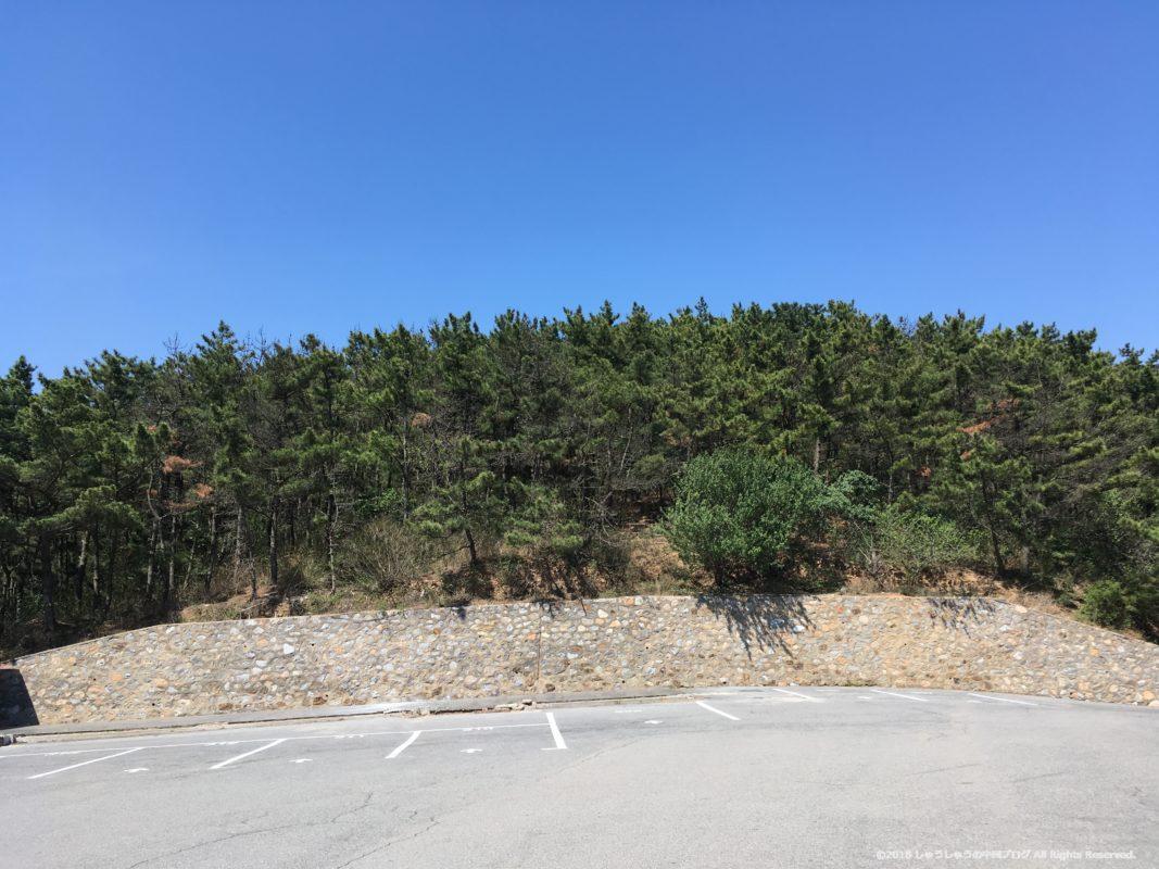 旅順203高地の中腹の駐車場