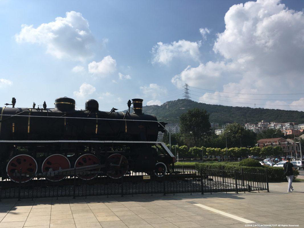 大連博物館前の機関車
