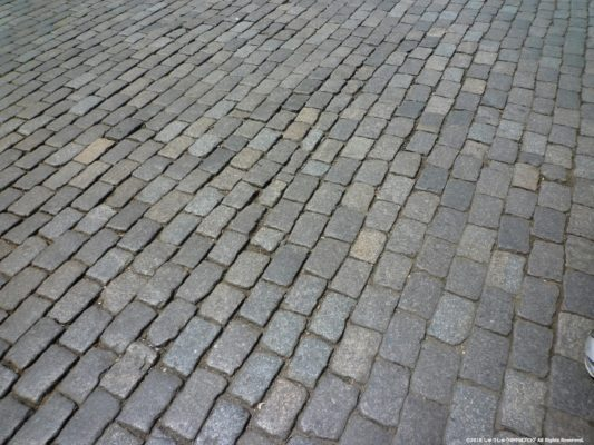 ハルビン中央大街の石畳