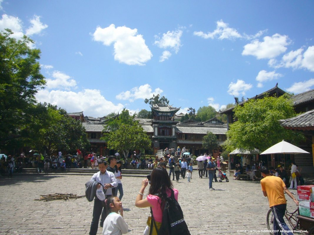 麗江古城の四方街8