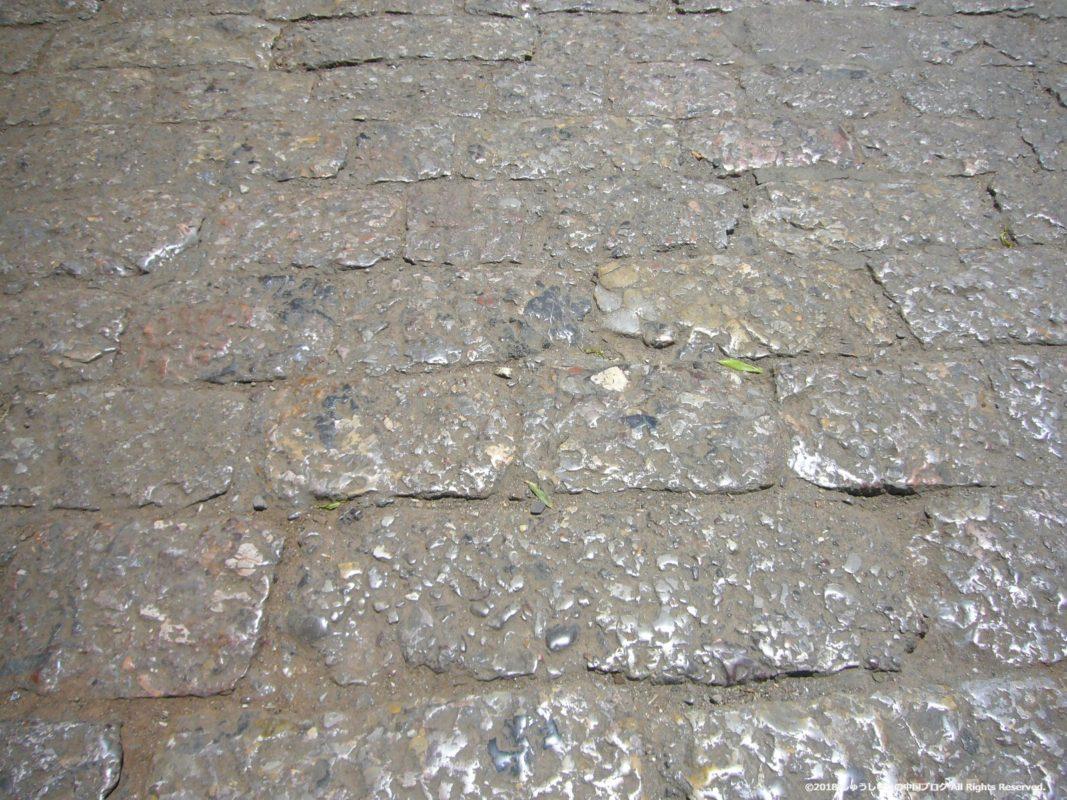 麗江古城の石畳