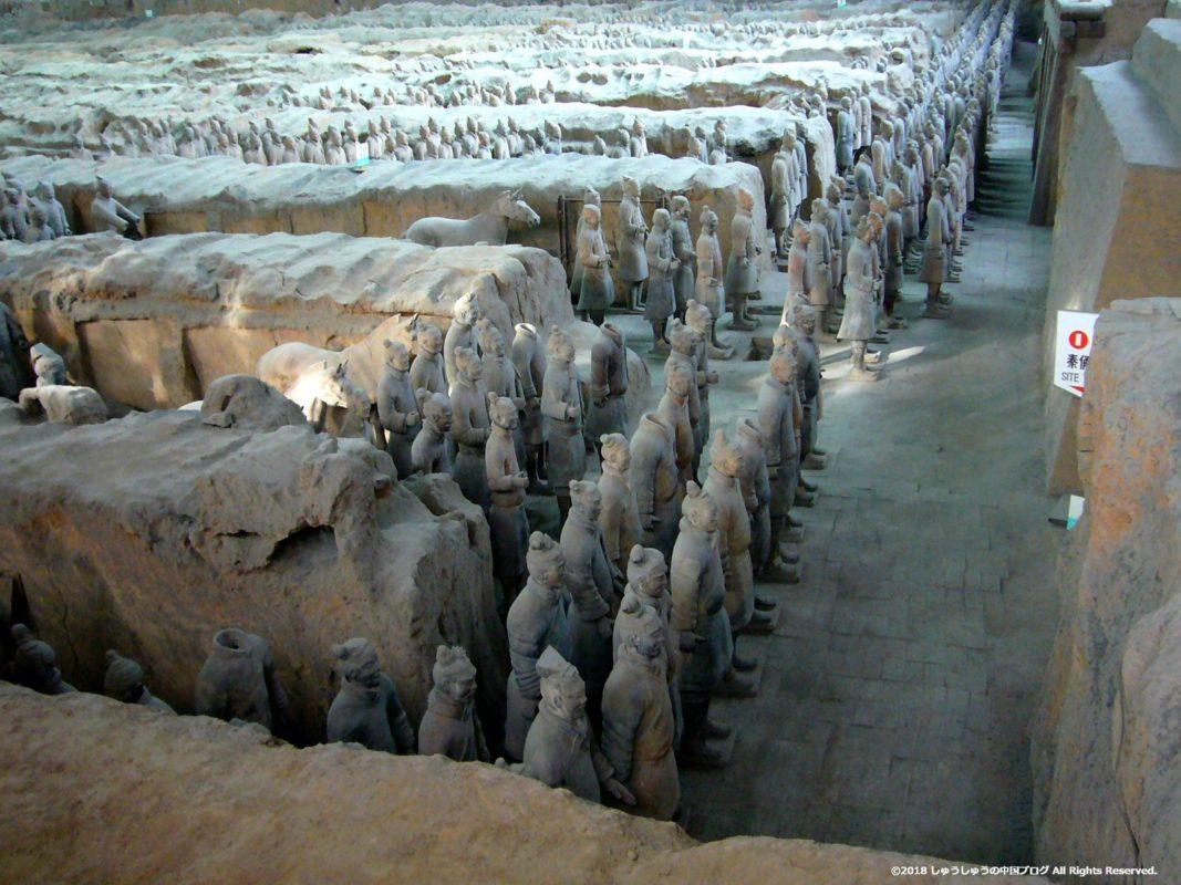 秦始皇兵馬俑博物館1号坑の側面