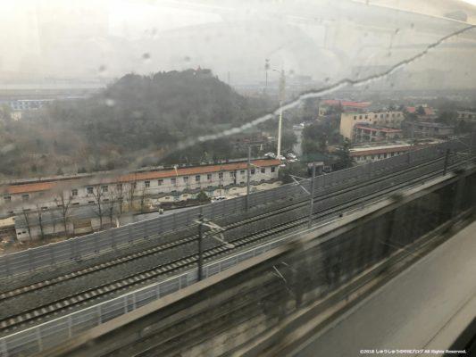 新鄭空港行きの新幹線の車窓